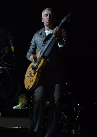 Adam_Clayton-U2_360_Tour